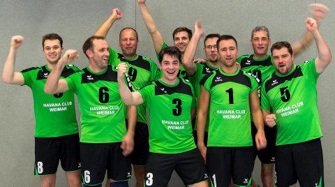 Die Verbandsliga-Herren des SVV Weimar freuen sich auf ihr Heimspieldebüt am heutigen Samstag mit einem Derby gegen den VC Schloß Apolda. Foto: Verein